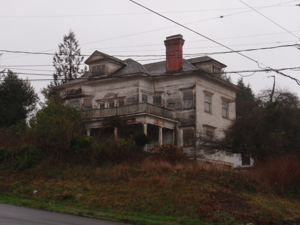 The abandoned house of Harry Flavel in Astoria, Oregon