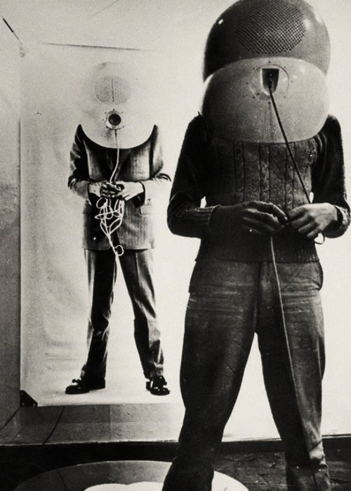 Portable Living Room TV helmet 1967