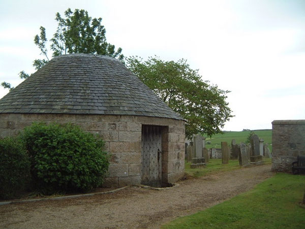An 1830s morthouse