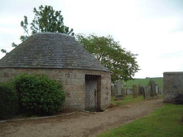An 1830s morthouse