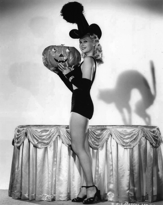Adele Jergens vintage Halloween pinup