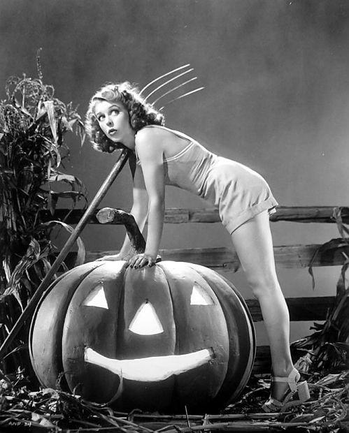 Anne Nagel 1940 vintage Halloween pinup