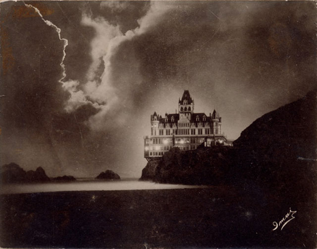 The Victorian Cliff House in San Francisco c. 1900