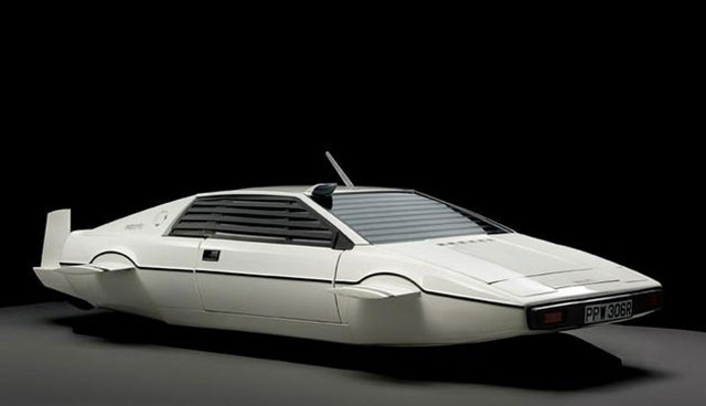 James Bond's Lotus Espirit submarine car