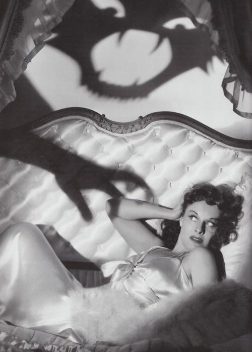 Paulette Goddard vintage halloween pinup