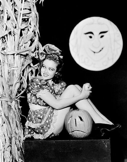 Sad jack-o-lantern vintage Halloween pinup