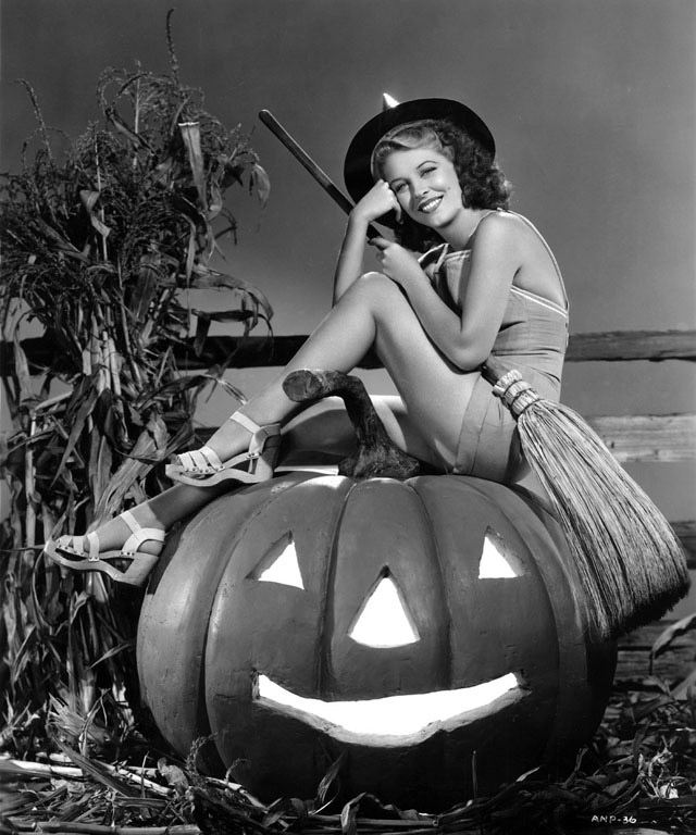 Anne Nagel vintage Halloween pinup