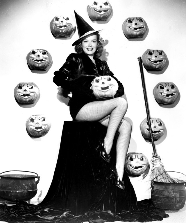 Virginia Welles vintage Halloween pinup