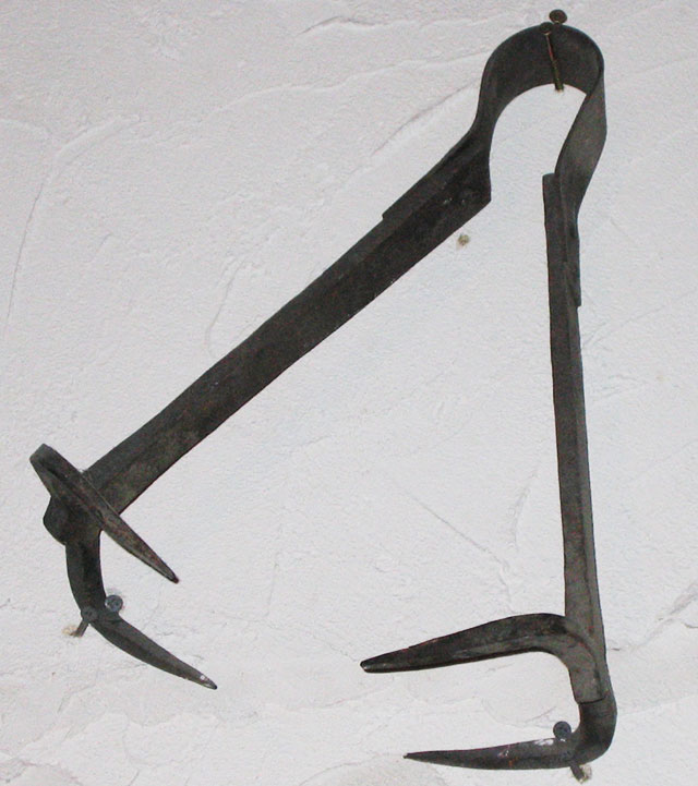 Breast ripper torture device