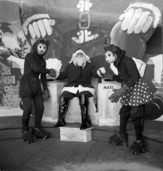 Weird Santa picture