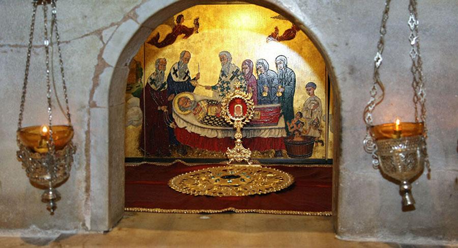 The crypt in Bari where St Nicholas' bones reside