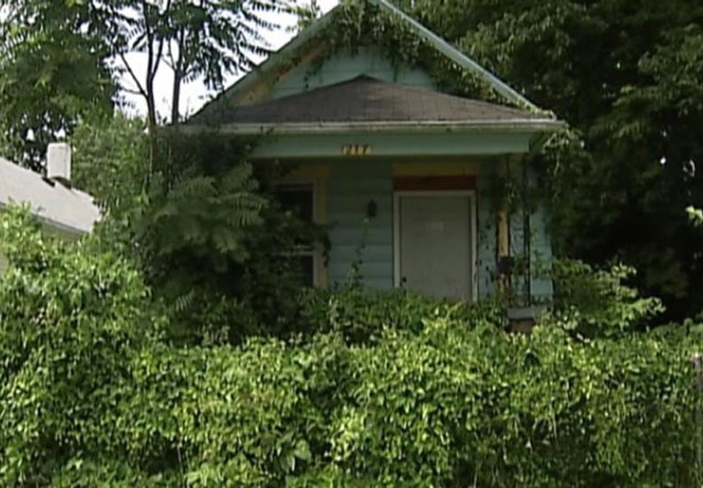Boy finds mummified corpse hanging in abandoned house in Dayton, Ohio