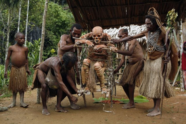 The Anga tribe restores their mummified dead