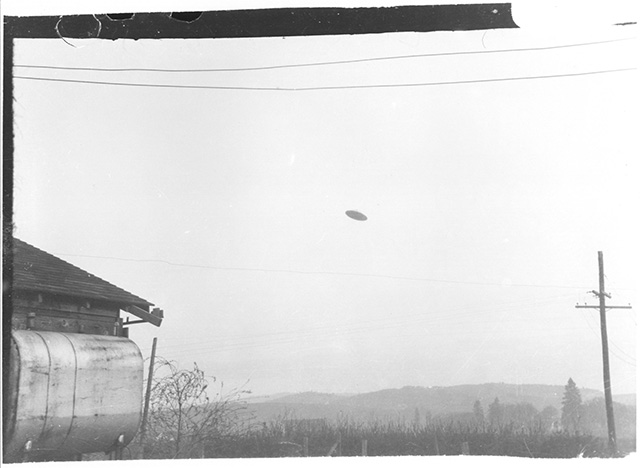 Vintage UFO photo from the 1950s