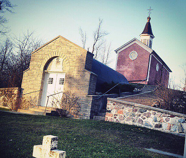 Grave of Father Oschwald and the chapel above