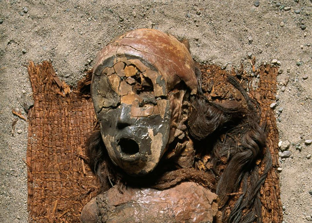 The Chinchorro mummies of ancient Chile are at risk of rapid decomposition