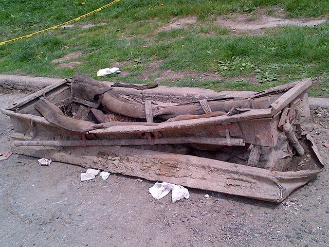 Old casket found on the street in Brooklyn with human remains inside