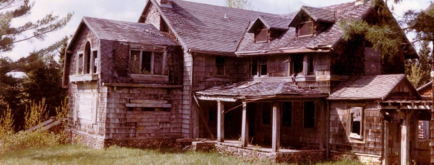Summerwind haunted mansion in Wisconsin