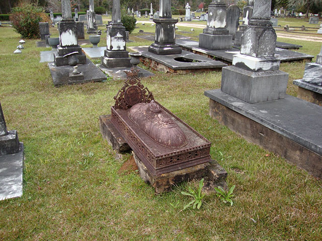 Victorian cast iron grave monument in Greenville, Alabama's Magnolia Cemetery