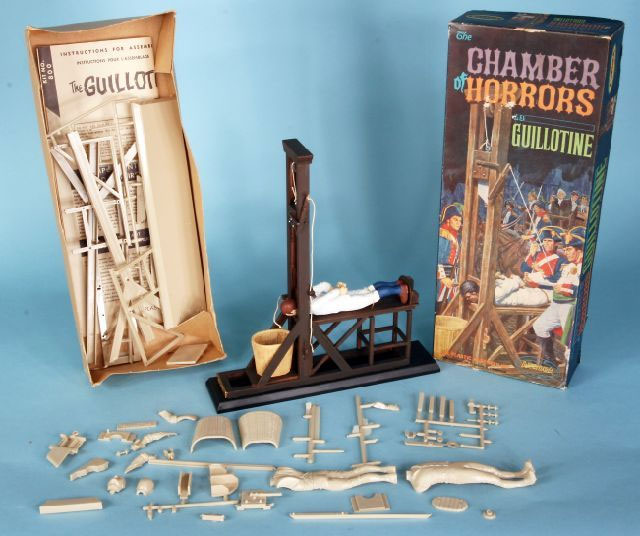 Polar Lights Chamber of Horror guillotine model kit