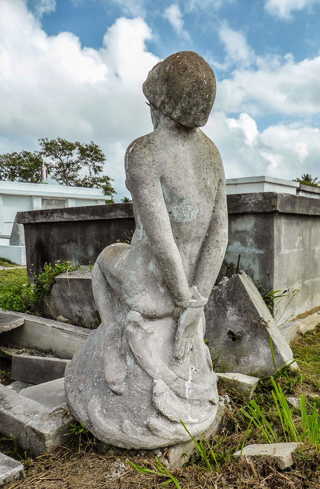 Tied hands of the Bound Woman in Key West Cemetery