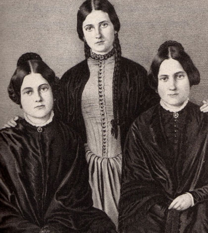 spectralities-fox-sisters-sm