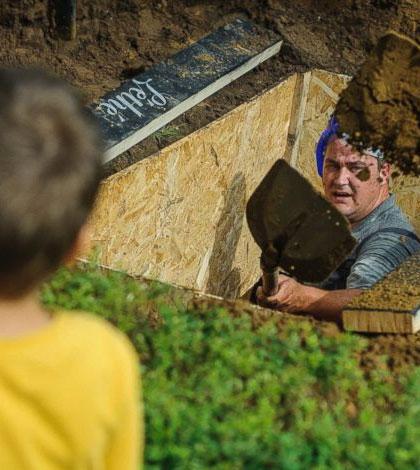 grave-digging-championship-sm