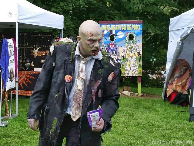 Dedd Fredd with candy at Hearsefest