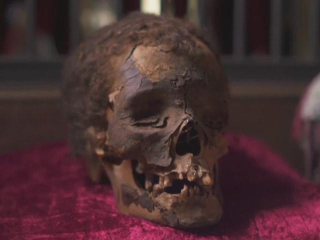 Viktor Wynd Museum mummy head