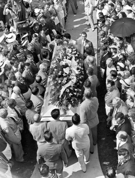 The massive coffin of Robert Wadlow