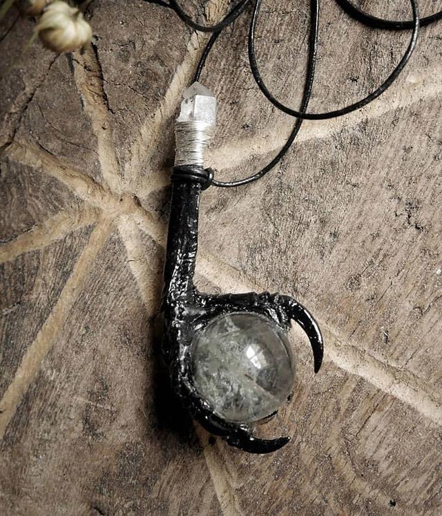 Bird foot crystal pendant