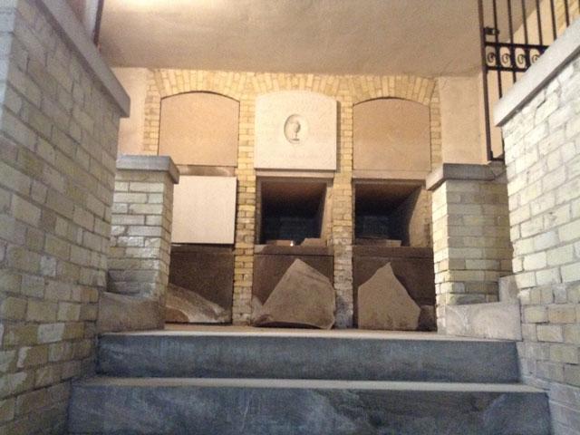 Calvary Cemetery crypt in Milwaukee