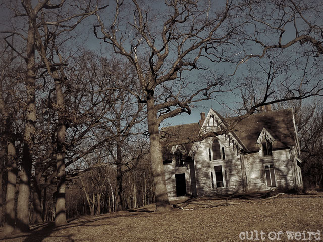 Abandoned house in Fond du Lac, Wisconsin
