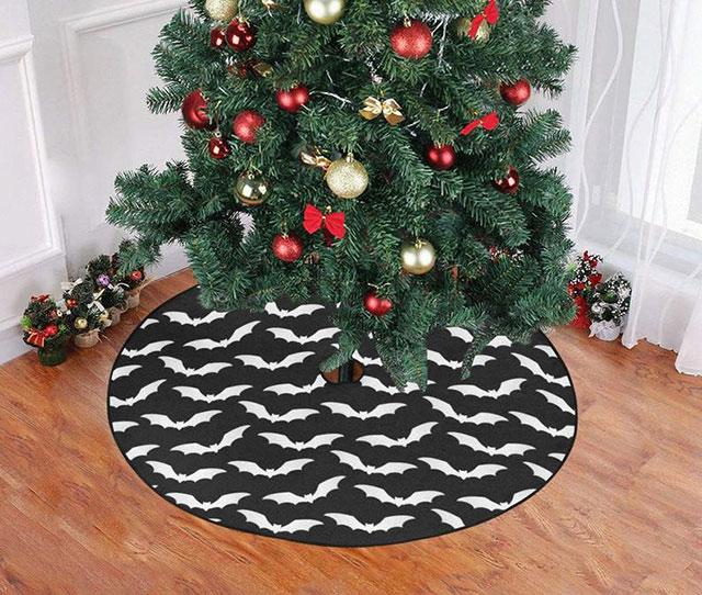 Gothic tree skirt