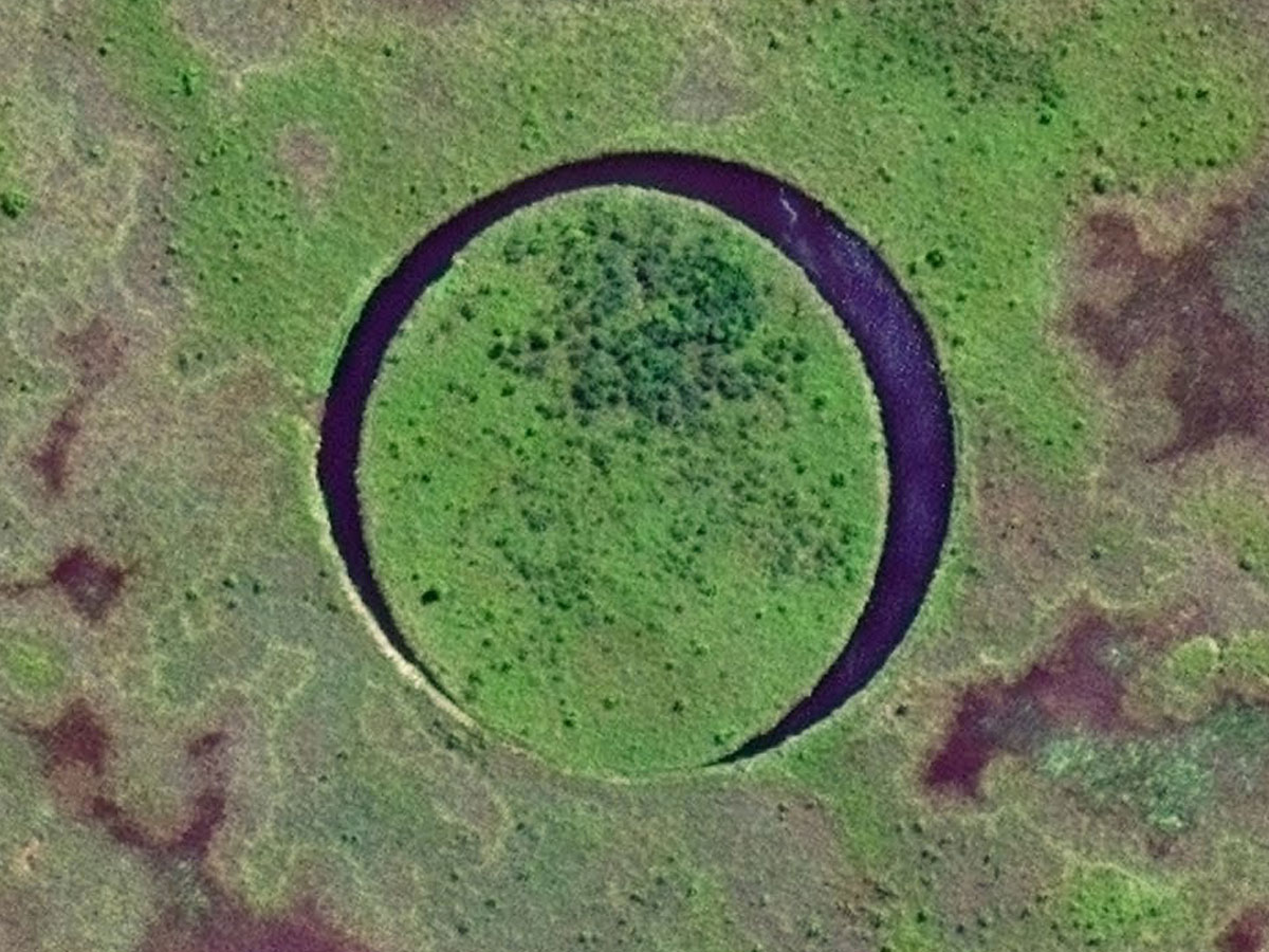 Mysterious moving Eye lake in Argentina