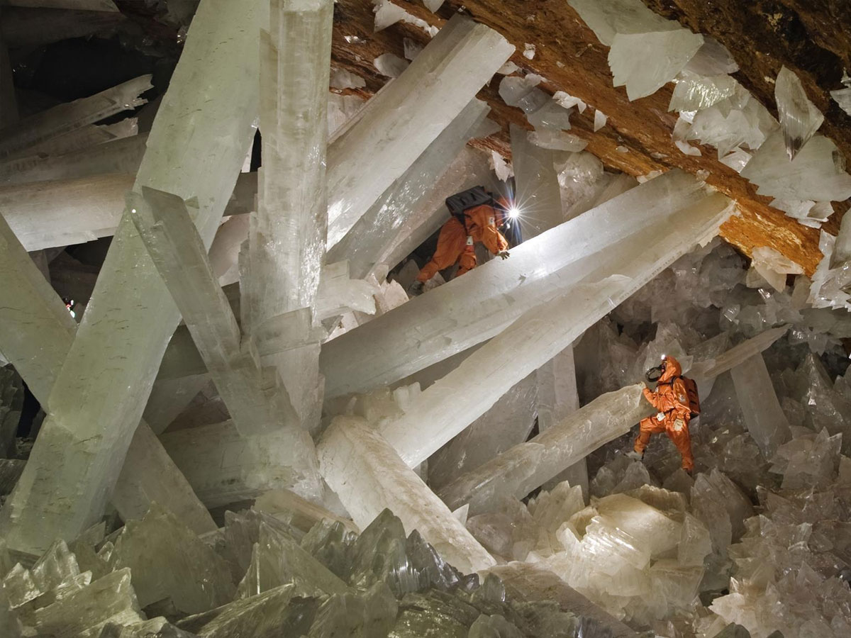 Cave of giant crystals in Mexico