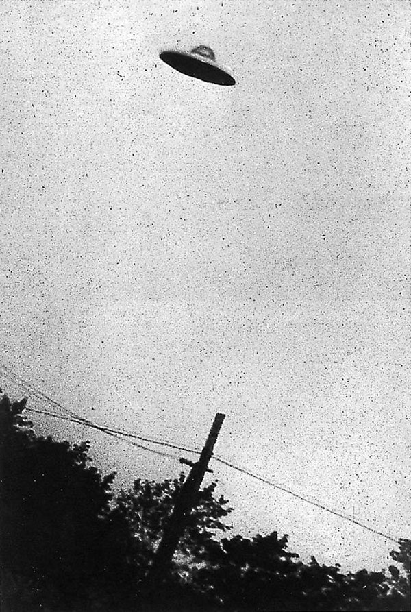 UFO photographed over Passaic, New Jersey in 1952