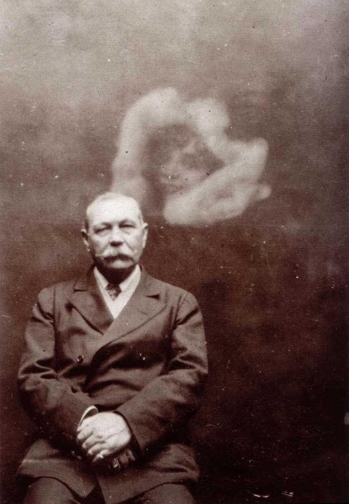 Sir Arthur Conan Doyle spirit photograph
